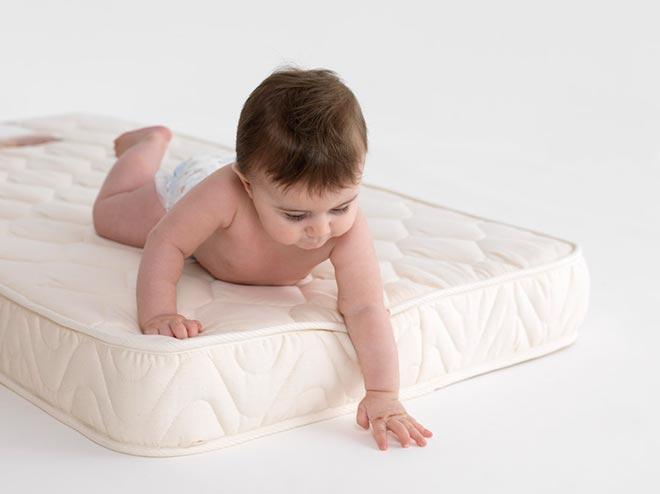 Изображение ребенка на детском матрасе