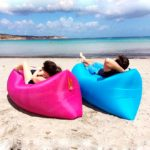 Два Ламзака на пляжу с видом на море