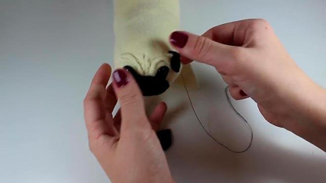 Подушка-собака из носка 22