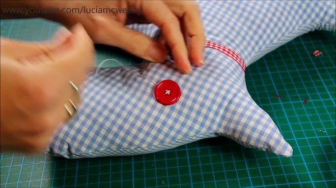 Подушка-собака из рубашки 12