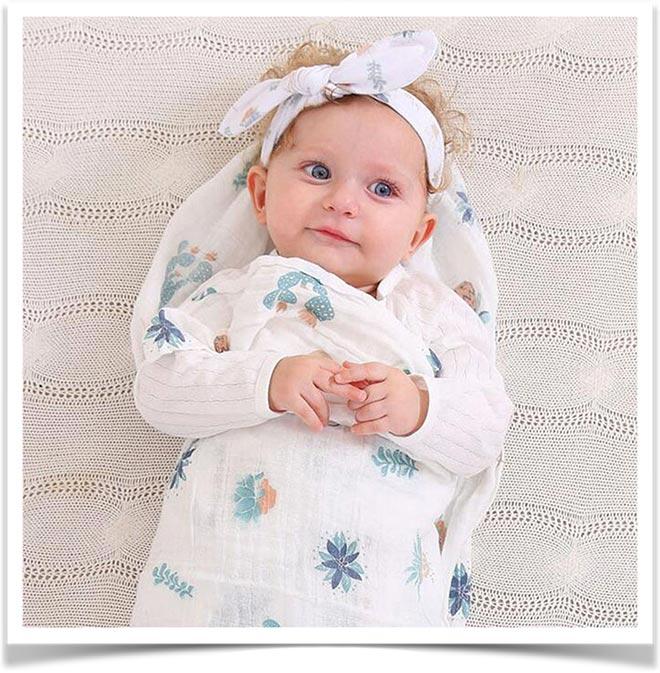 Ребенок, укутанный в одеяло