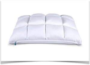 Подушка с чехлом в квадрат