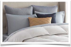 Разного размера подушки