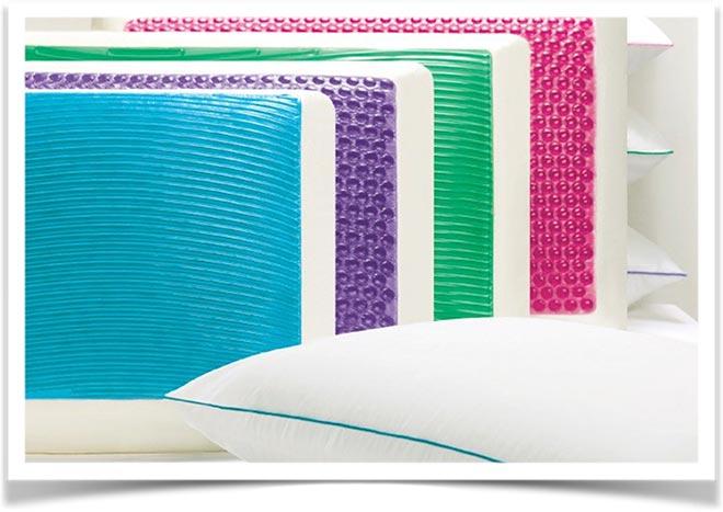Разноцветные подушки
