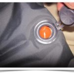 Кнопка с перемычкой на надувном матраса