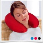Красная нашейная подушка для путешествий