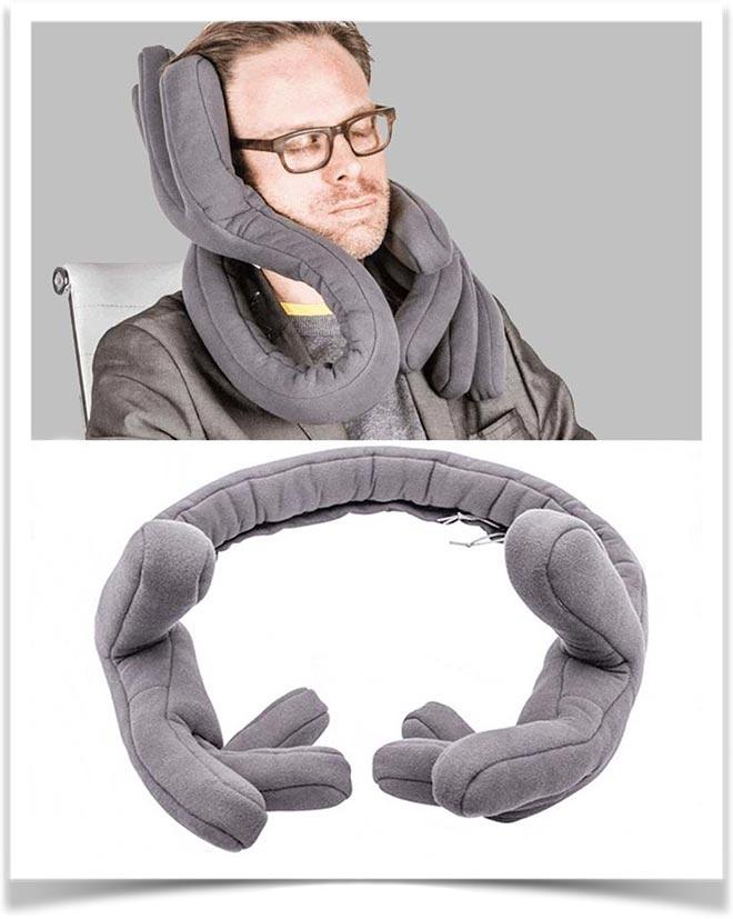 Подушка лапы под голову