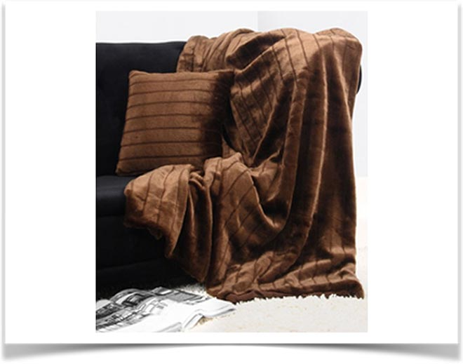 Плед на диване 41