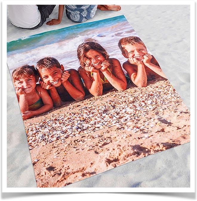 Пляжное покрывало с изображением детей