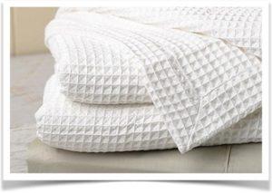 Белый плед из вафельной ткани