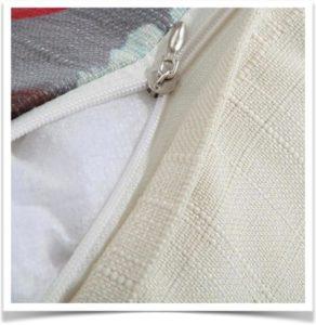 Открытый чехол на молнии на подушке