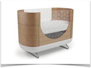 Овальная кроватка со стеклом