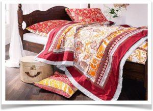 Постельное белье в восточном стиле на кровати