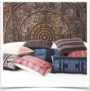Подушки в стиле икат